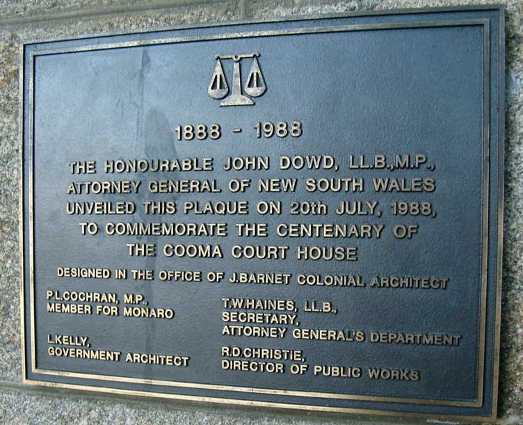 Cooma courthouse centenary plaque, 1988. Photo: Peter de Waal