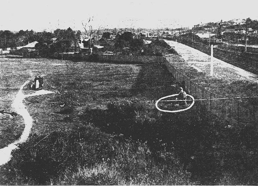 """The little boy's body was found in some grass at the feet of the figure in the circle. Rocky Point Road is away to the left, and the arrow is pointing in the direction of Maloney's Store from which a clear view of the paddock, and the clump of bushes, may be had."" Image: Truth, (Syd, NSW), Sun 3 Jun 1923, p. 9. Reproduction: Peter de Waal"