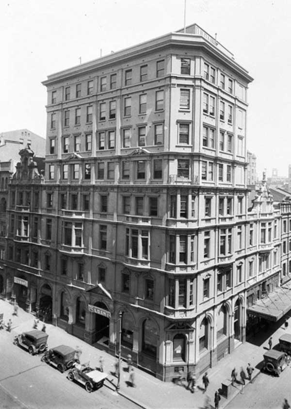Bank of Adelaide, 105 Pitt Street; Queensland National Bank. 101-103 Pitt and 27 Hunter Streets, n.d. Image: NSW State Library collection. Reproduction: Peter de Waal